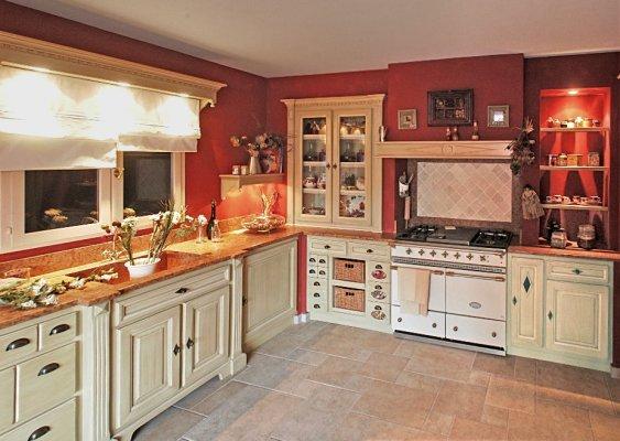 D coration de la cuisine - Cuisine beige et bois ...